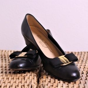 Ferragamo Women's Vara Black Leather Bow Heels 6B